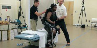 人が着るソフトロボット(パワードスーツ)は工場労働者や四肢麻痺患者を助ける | TechCrunch