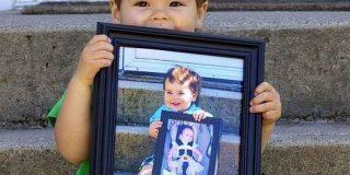 一年前の写真を本人に持たせて撮影する、子どもの写真の撮り方がとても素敵で参考になると話題に「成長を実感できる」「今からでもやる」 - Togetter