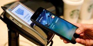 アップル、ゴールドマンとクレジットカードで提携へ:日本経済新聞