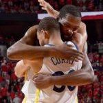 ウォリアーズがロケッツとの死闘を制し、4年連続となるNBAファイナル進出 | NBA Japan