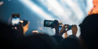 「Snapchat」がチケット販売のSeatGeekと連携-アプリから購入可能に - CNET