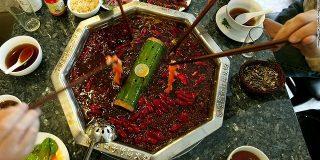 「1カ月食べ放題」の激辛料理店、客殺到で閉店 中国四川省 - CNN