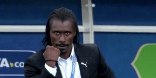 【画像】セネガルのシセ監督「残念ながら私はセクシーではございません」:キニ速