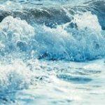 波を1/8000秒で止めてみたらまさに北斎の浮世絵そのものが写し出されて感激「北斎にはこれが見えてたのか」 – Togetter