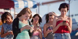 米国のティーンエイジャーの大多数はスマホ使用を自制しつつある | TechCrunch