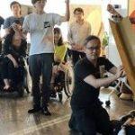次世代電動車椅子「WHILL」のハッカソンが開催-自宅で4DX体験や博物館巡り – CNET