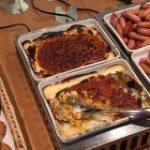 サイゼリヤには『ビュッフェ』が楽しめる店舗がいくつかあるらしい…!「普通にピザとドリアとドリンクバー頼んだらビュッフェの値段になるのバグだよな」 – Togetter