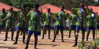 ガーナで『よさこい踊り』が独自の変化を遂げ、超クールなダンスへと進化していた「完全にアフリカンナイズされている」 - Togetter