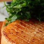 【メイン級おかずに!】「大根ステーキ」のワンランクアップ技 | クックパッドニュース