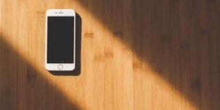 米メディア「iPhoneが低迷した理由はiPhone SEを売るの止めたから」 : IT速報