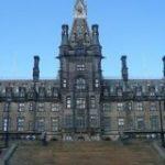 【画像あり】イギリスの高校が完全にホグワーツだと話題に|暇人速報