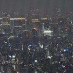 美しい夜景の写真、「この青く光るものが見えますか?」これ実は全部…「夜景撮影で一番困るのがこれ」 – Togetter