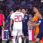 【GIF】イラン戦、思いっきし柴崎がイランの選手にビンタされてんだけど… : サカラボ