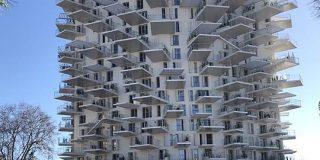 フランスに建設中のマンションがめっちゃ個性的で面白い「これどうなってんだろう」「ダンジョンでしょ」 - Togetter