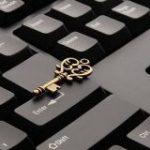 ランダムな文字列っぽい「ji32k7au4a83」というパスワードが大量のユーザーに使われていた理由とは? – GIGAZINE