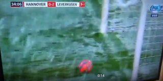 【動画】これは不運!原口元気が無人のゴールにシュート!しかし「雪」に阻まれる・・・ : SAMURAI Footballers