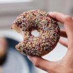 なぜストレスを感じると甘いものや炭水化物を食べたくなってしまうのか? – GIGAZINE