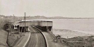 「えっ海じゃん…」約130年前の品川駅の写真に歴史を感じ痺れる人々 - Togetter