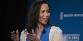 FacebookがPayPal幹部のペギー・アルフォード氏を取締役に指名   TechCrunch