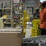 アマゾン、人間の4~5倍の速さで商品を梱包する機械を導入 – CNET