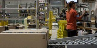 アマゾン、人間の4~5倍の速さで商品を梱包する機械を導入 - CNET