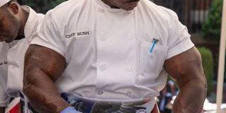 元米軍1等軍曹のホワイトハウス料理人の姿がこちらです「リアル伊集院隼人だ…」「これがギャップ萌えか」 - Togetter