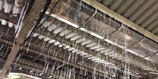 神奈川県のゲリラ豪雨で、戸塚駅・金沢文庫駅・横浜駅などが「こわれる」「災害」レベルの凄まじい大洪水発生 - Togetter
