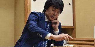 将棋界にタピオカの波…?藤井九段が順位戦の昼食で蕎麦屋にタピオカミルクティーを注文、翌日斎藤王座も続く - Togetter