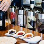 混ぜて煮きるだけ。ワインバー直伝「白ワイン醤油」がスーパーの刺身とワインを最高のご馳走にする – メシ通