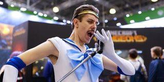 「マーキュリーにもほどがある」フレディそっくりのセーラーマーキュリーがロシアのポップカルチャーの祭典 #ComicConRussia に降臨 - Togetter