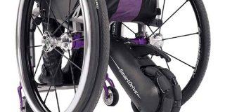 ペルモビール、スマートウォッチ対応の最新鋭車椅子「SmartDrive PushTracker E2」 - CNET