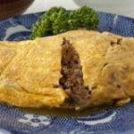 昭和生まれのみんなたちー!ひき肉と玉ねぎをウスターソースで炒めて薄焼き卵で包んだ「オムレツ」覚えてる?懐かしの味、今でも作る味 – Togetter