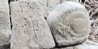 東北最古の「猫神さま」泥の中から発見 台風19号で被害の丸森 | 河北新報