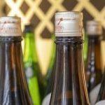日本酒輸出が10年間で3倍 外国人にSAKEが受けているワケ|ポストセブン