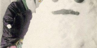 現代の2段重ねの「雪だるま」は一体いつ頃から作られるようになったんだろう?明治時代や江戸時代の雪だるまはもっと「達磨」に近い形だったらしい - Togetter