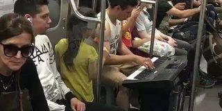 アルゼンチン在住の弟から送られてきた地下鉄の様子が凄くてDAN DAN心魅かれてく - Togetter