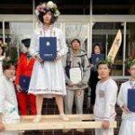 『ミッドサマー』に「死者蘇生」…金沢美術工芸大学の卒業式で披露されたコスプレの数々 – Togetter