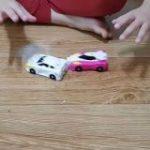 「おもちゃの可能性って無限だな」2台の車が衝突して合体変形するギミックが語彙力崩壊するレベルでしゅごい – Togetter