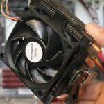 「冷却ファンの振動」からPCの機密データを盗み出すことが可能と判明 – GIGAZINE