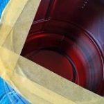 「これは検索して見つけた技なんですけど」塗料の缶を汚さずに中身を注げる方法が天才的 – Togetter