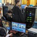 絵面が強すぎ!築地本願寺がオンライン法要を開始。「袈裟姿の僧侶」x「ガチ機材」のコンボ。 – Togetter