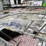 今年閉店した秋葉原のマクドナルド跡地に『ドラクエ』に出てきそうな階段が出現していた→「現実にあるとこんな感じなのか」 – Togetter