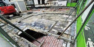今年閉店した秋葉原のマクドナルド跡地に『ドラクエ』に出てきそうな階段が出現していた→「現実にあるとこんな感じなのか」 - Togetter