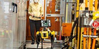 Boston Dynamicsの犬型ロボ「Spot」、Ford Motorの工場で働く - ITmedia
