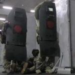 ロシアの特殊部隊が使う防弾シールドには「ここを狙って撃て」という印がある話 =単純であるが故に回避しにくい視線誘導テクニック – Togetter