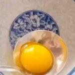 【音量注意】卵焼きの新しい作り方が興味深い「醤油をかけたい」「うちのフライパンで出来るかな」 – Togetter