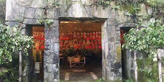 「久しぶりに世界観がやばい地蔵」比叡山の坂本ケーブルの途中にわざわざ乗員に止めてと言わないと止まらない駅がある→そこにはあの事件を祀ると言われる地蔵があった - Togetter