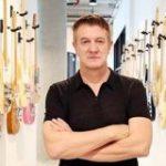 米国でギター大売れ 新型コロナ契機、余暇を習い事に : 日本経済新聞