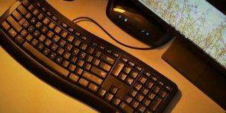 ワイ、結局マウスもキーボードも有線に変えてしまう : IT速報