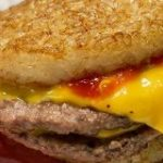 【正直レビュー】マクドナルド『ごはんダブチ』を食べてみた! 他のごはんバーガーと違う2つのポイント | ロケットニュース24